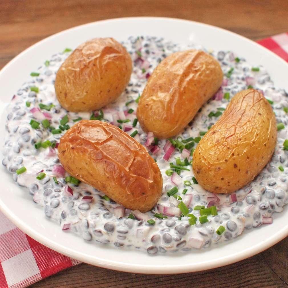 Zobrazit Krémová čočka s pečenými bramborami receptů