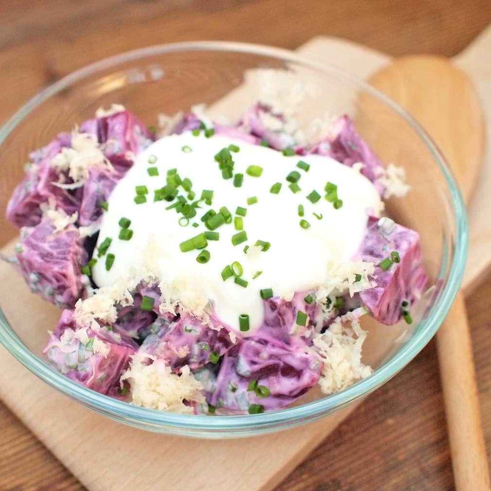 Zobrazit Řepný salát se zakysanou smetanou receptů