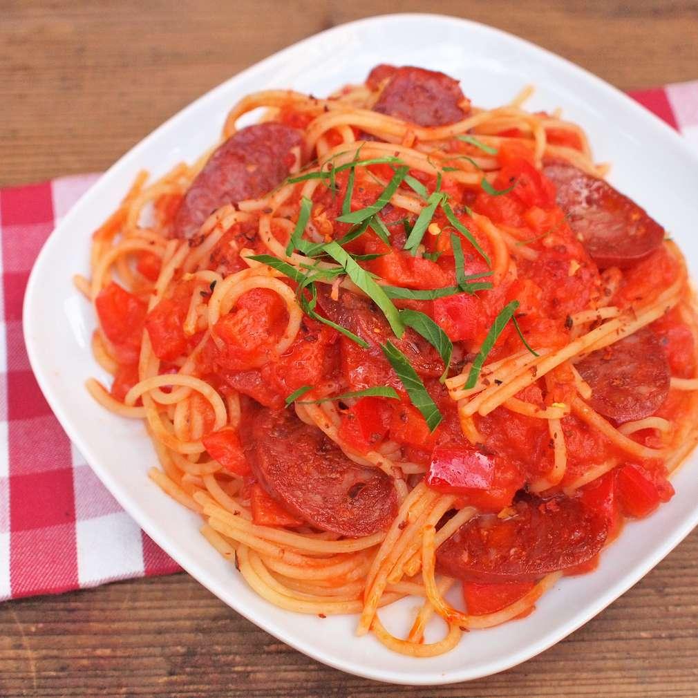 Zobrazit Pikantní těstoviny s klobásou chorizo receptů