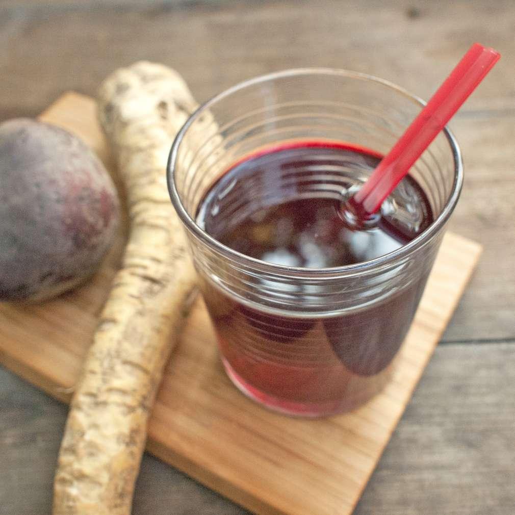 Zobrazit Šťáva z červené řepy s křenem receptů