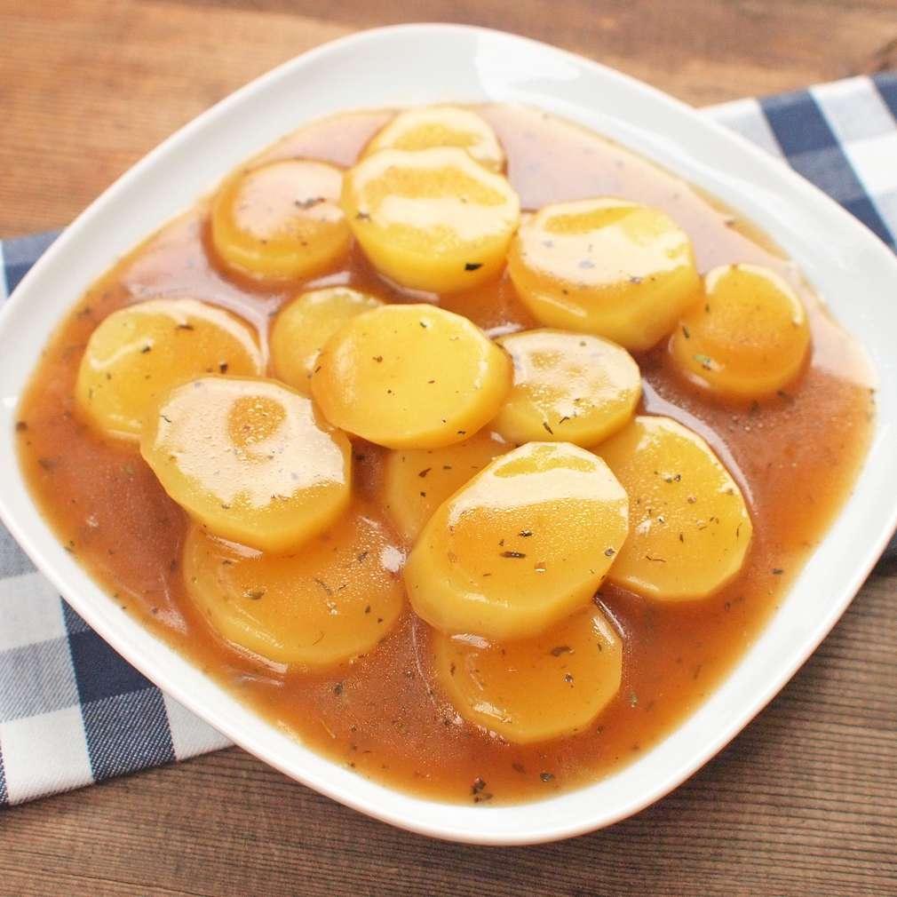 Zobrazit Dušené brambory v silné masové šťávě receptů
