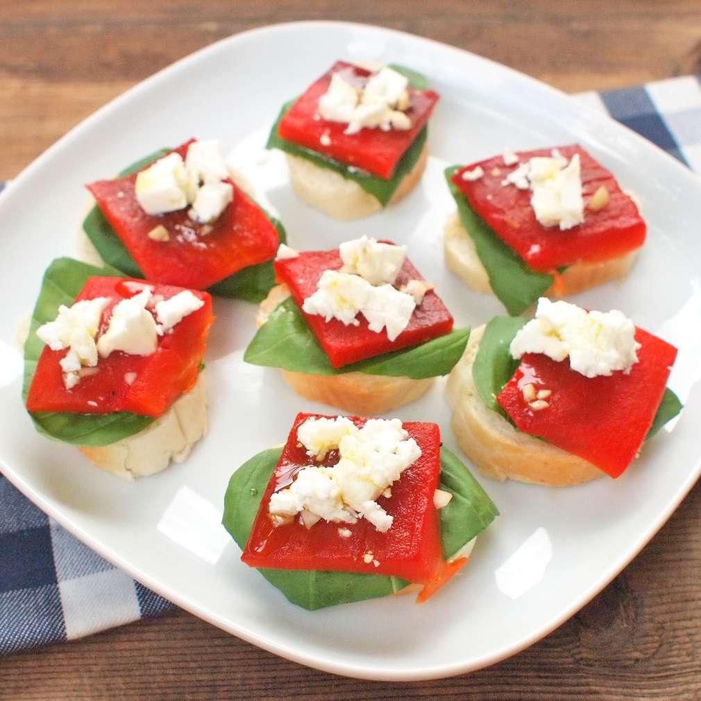 Zobrazit Jednohubky s pečenou paprikou receptů