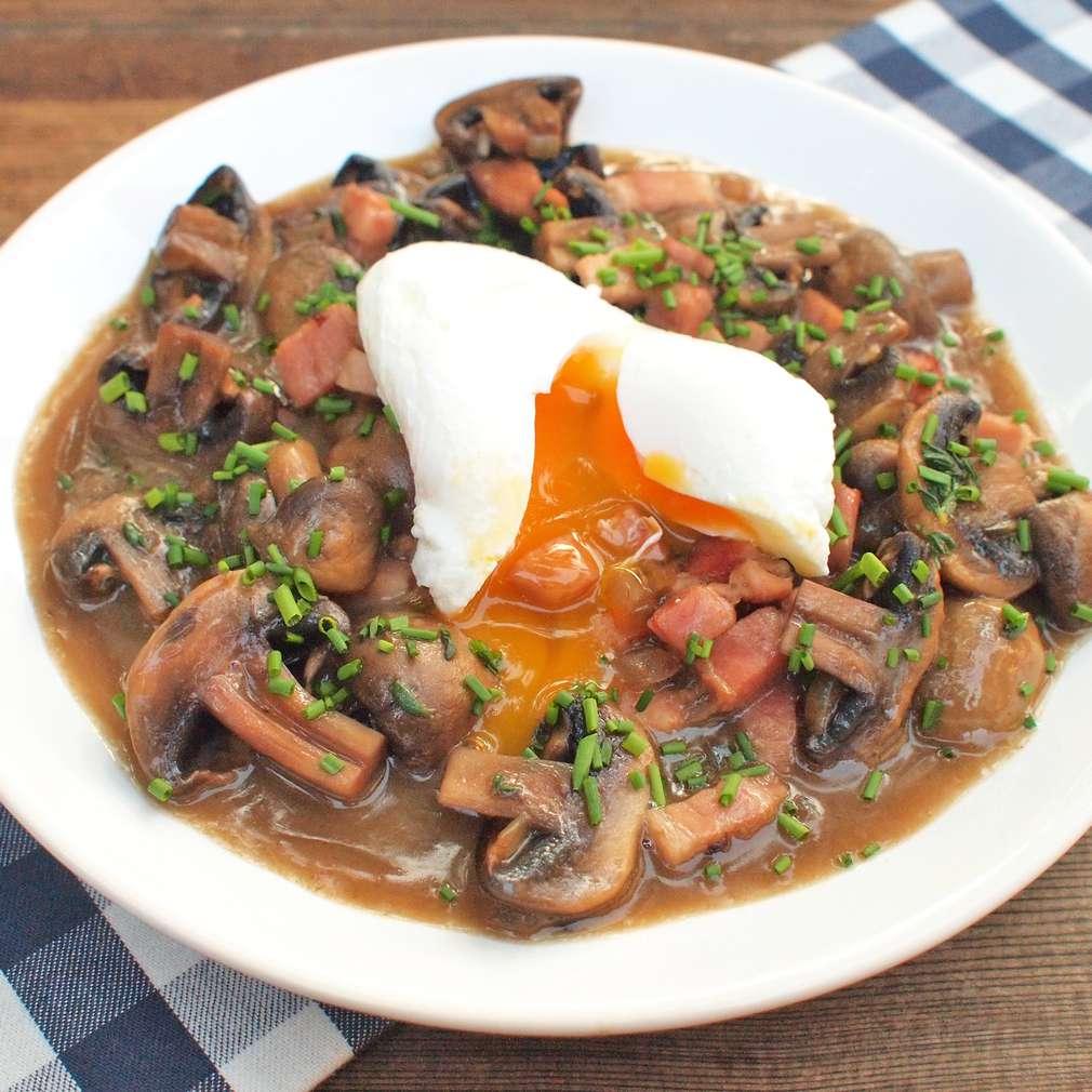 Zobrazit Ztracená vejce se žampionovým ragú receptů