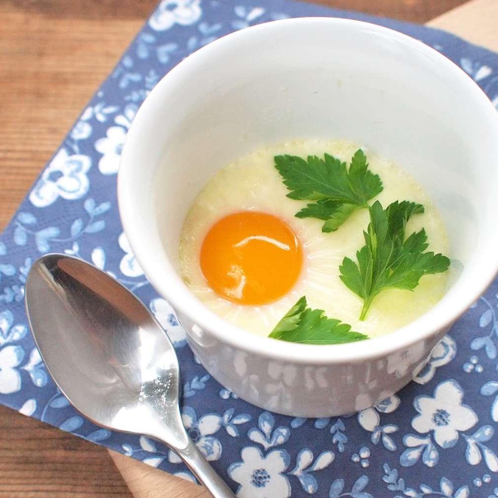 Zobrazit Pečené krémové vejce v misce receptů