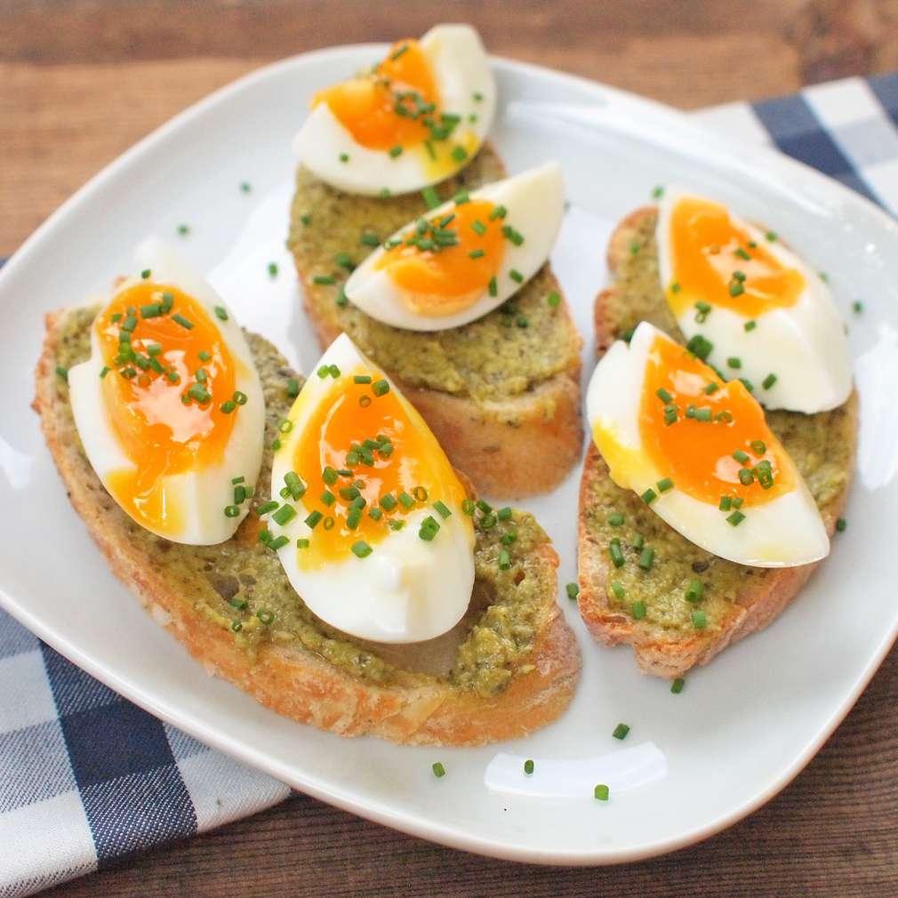 Zobrazit Bruschetta s vejci naměkko receptů