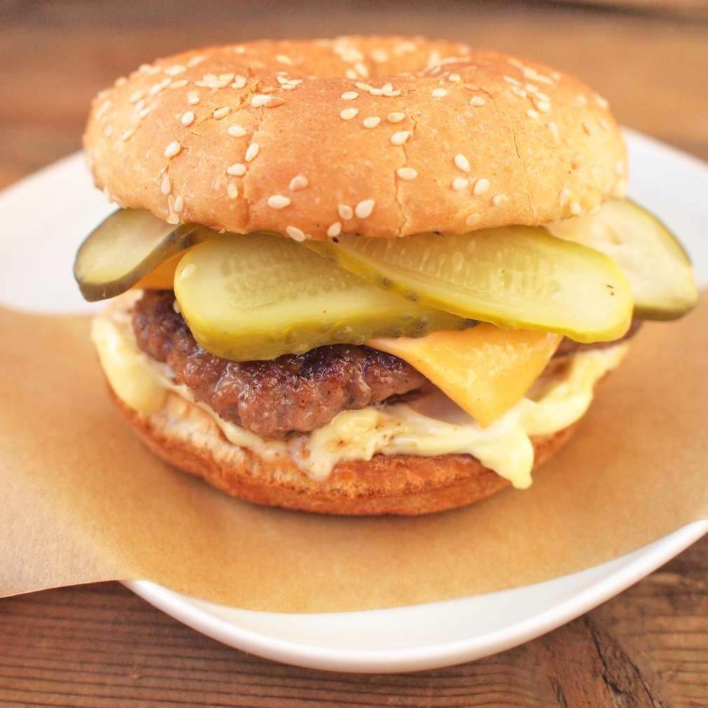 Zobrazit Italské burgery s provolone receptů