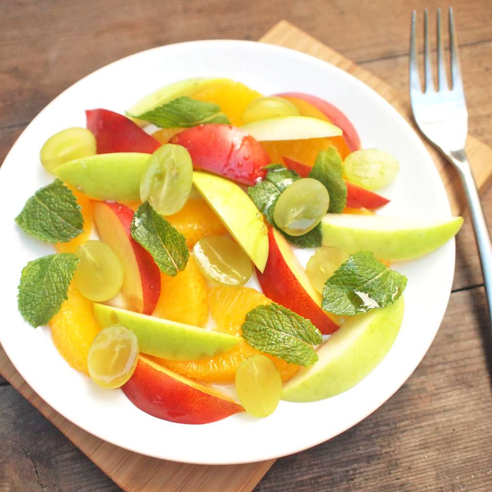 Ovocný salát s mátou