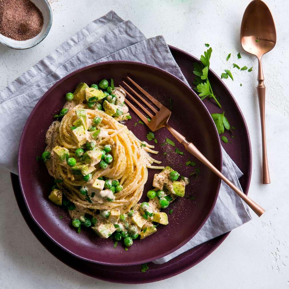 Abbildung des Rezepts Vegane Pasta mit Avocado und Kala-Namak-Salz