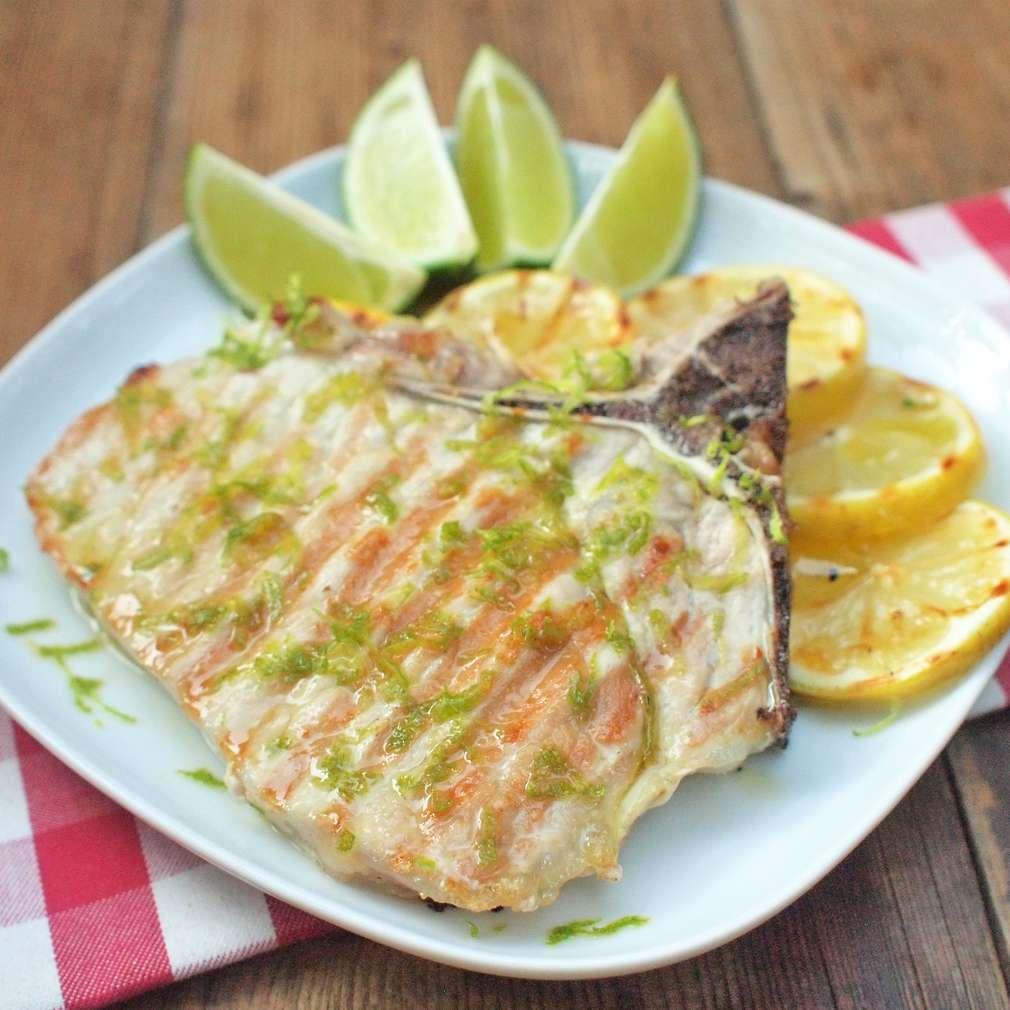 Zobrazit Vepřová kotleta na grilu v citrusové marinádě receptů