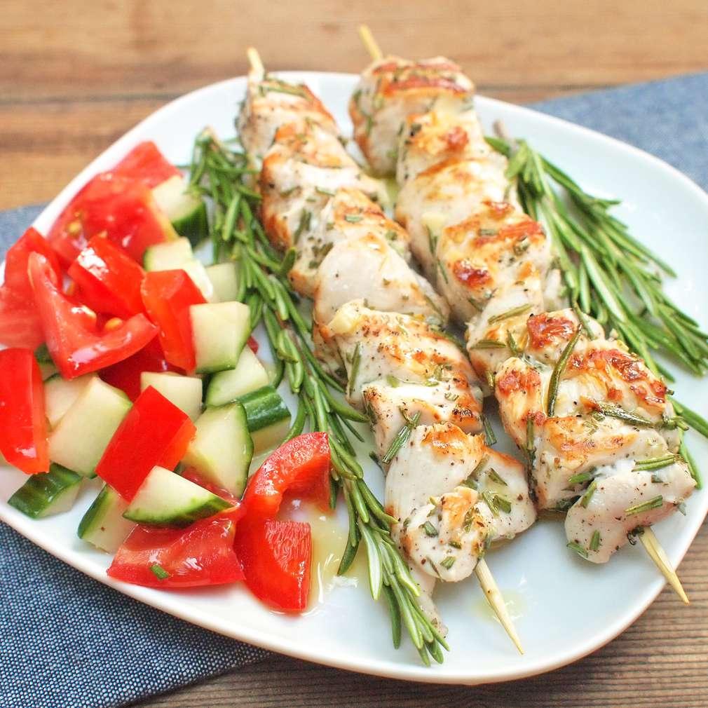 Zobrazit Grilované kuřecí špízy s rozmarýnem receptů