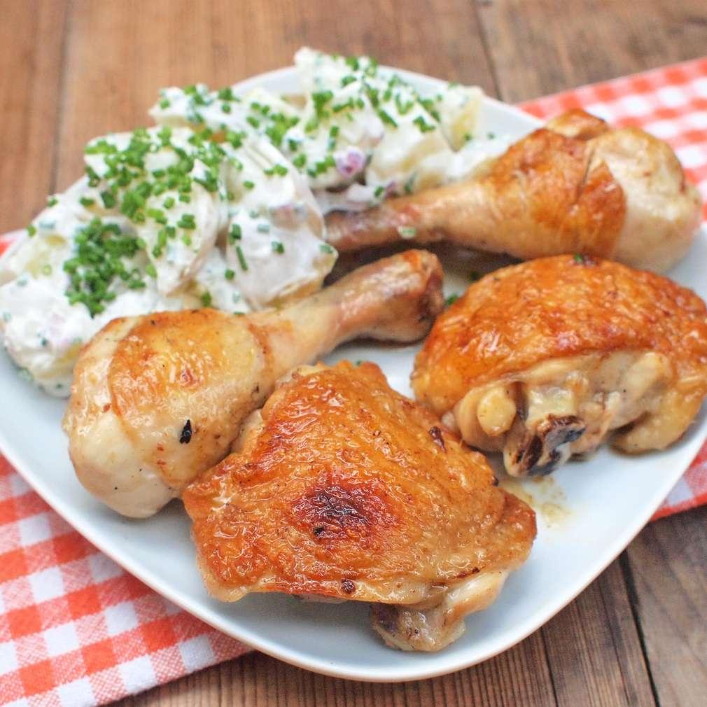 Zobrazit Grilované kuře se salátem z nových brambor receptů