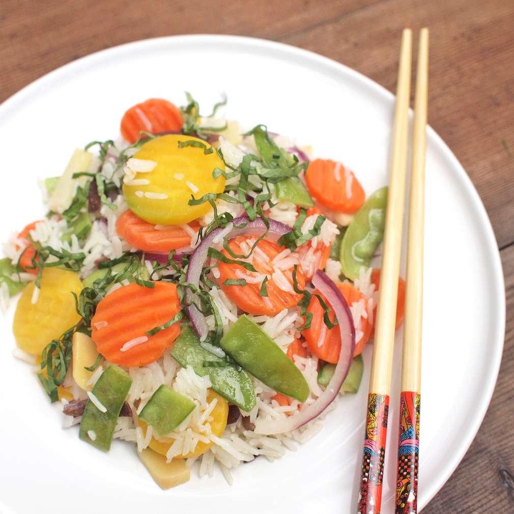 Zobrazit Smažená rýže s letní zeleninou ve woku receptů