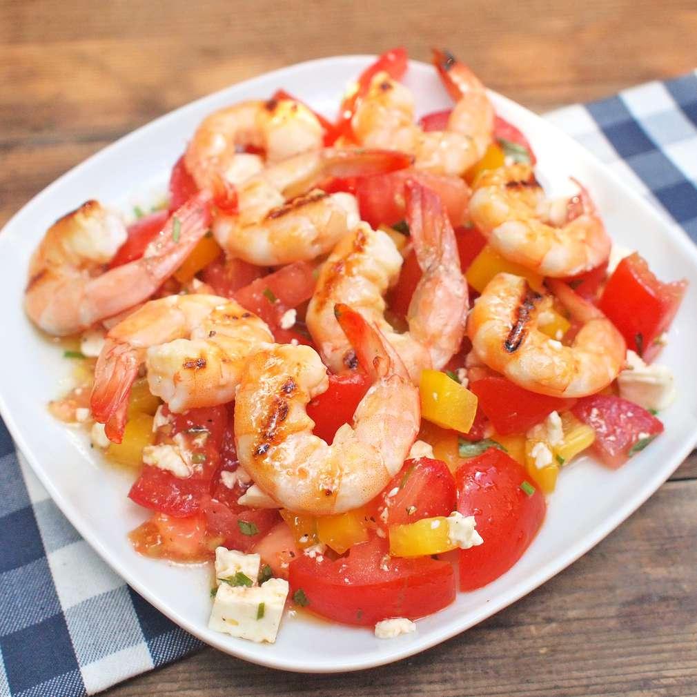 Zobrazit Grilované krevety s rajským salátem receptů
