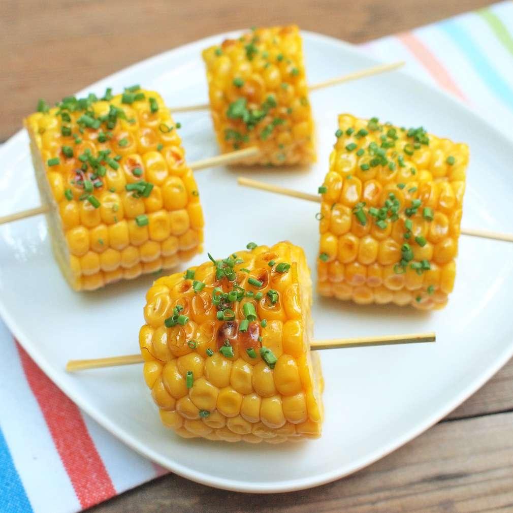 Zobrazit Grilovaná kukuřice s bylinkovým máslem receptů