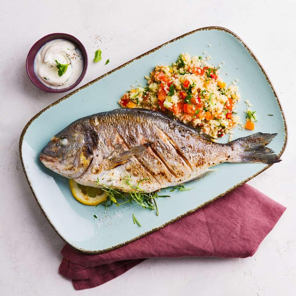 Abbildung des Rezepts Gegrillte Dorade mit Couscous-Salat