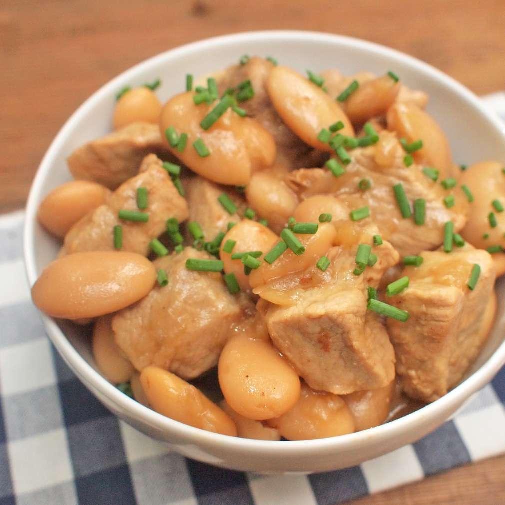 Zobrazit Dušené vepřové s fazolemi receptů