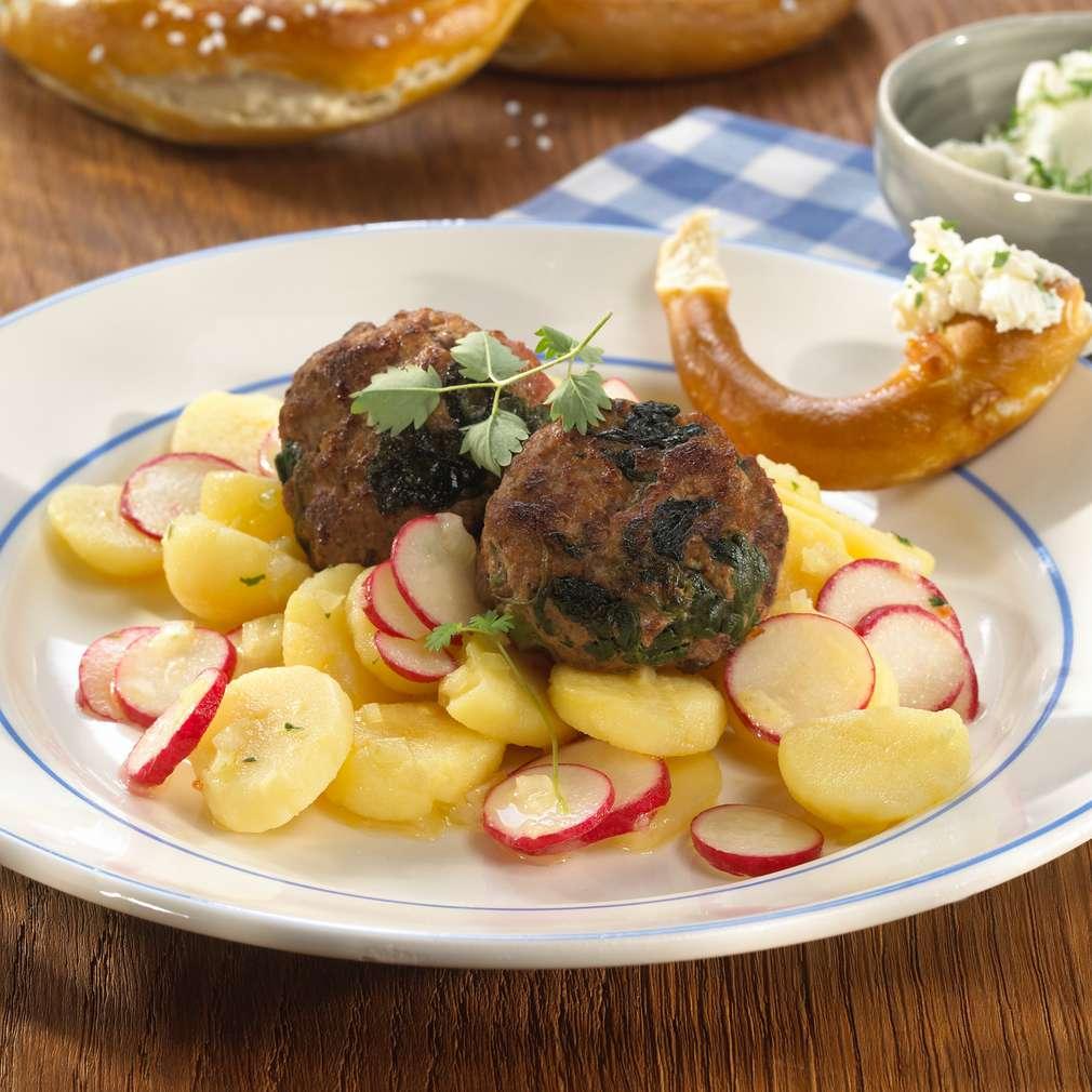 Abbildung des Rezepts Schwäbischer Kartoffelsalat mit Spinat-Hackbällchen