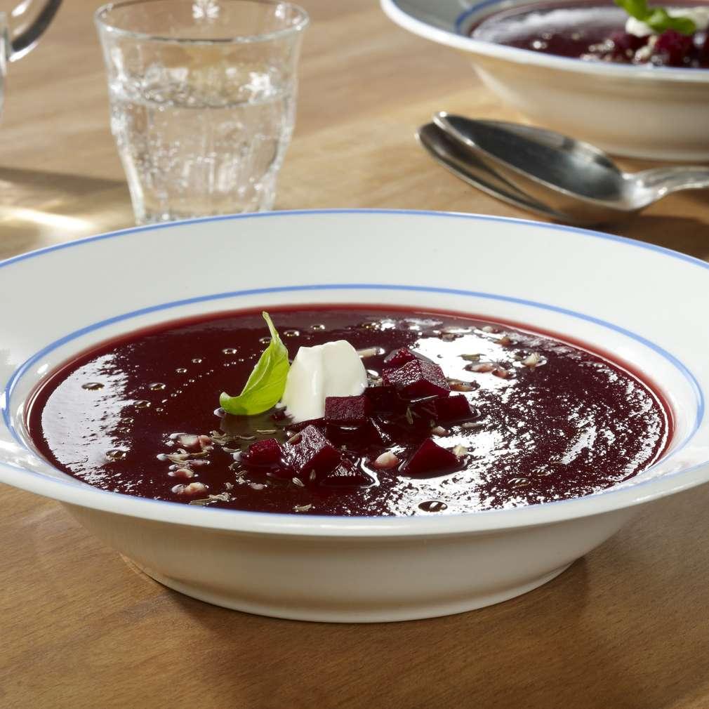 Zobrazit Snadná polévka z červené řepy receptů