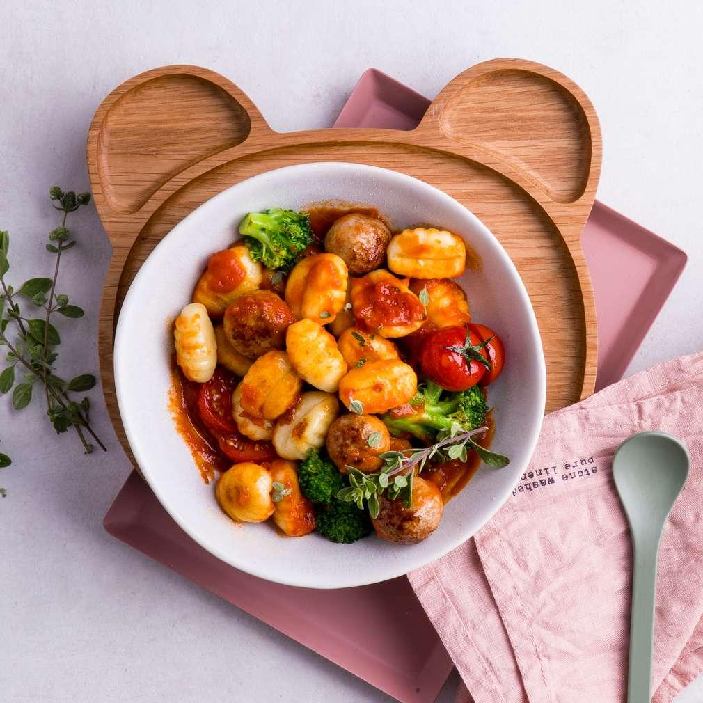 Zobrazit Gnocchi s rajskou omáčkou a masovými kuličkami receptů