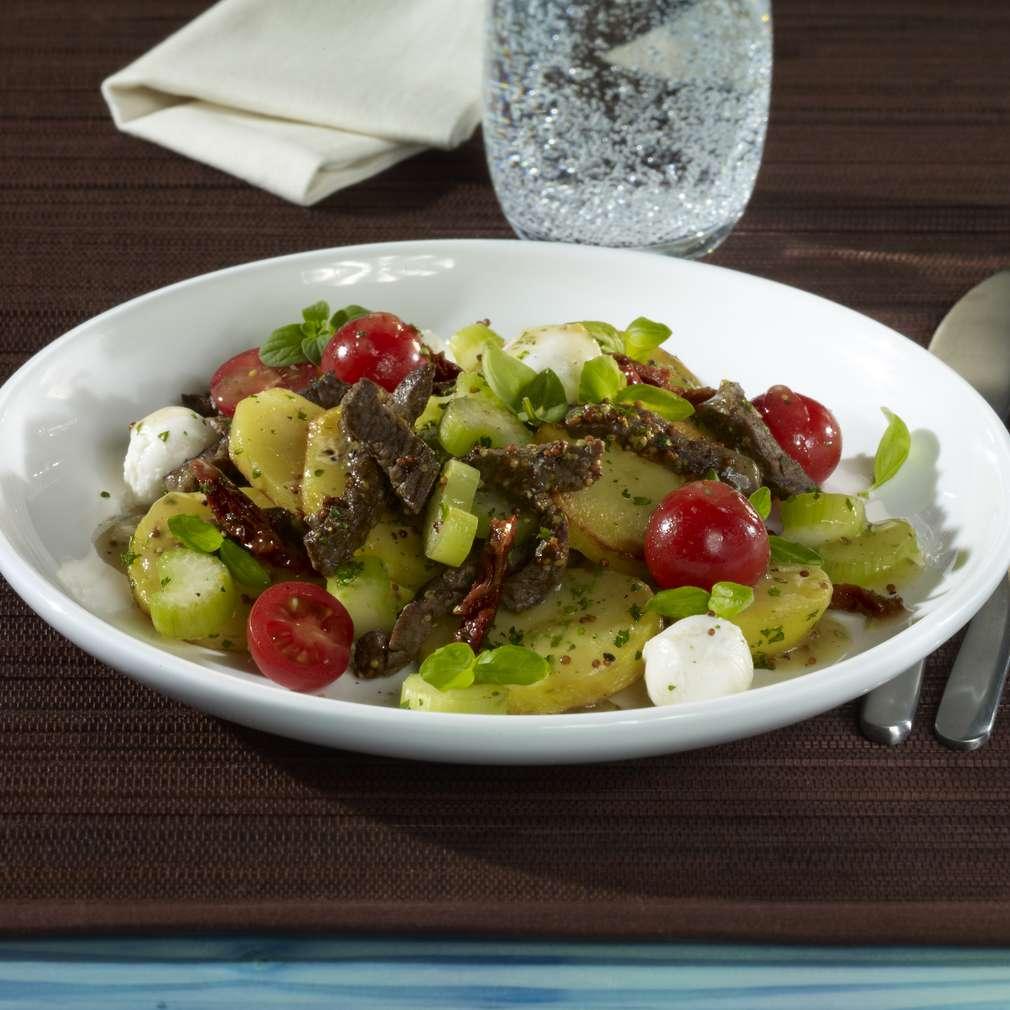 Zobrazit Vlažný bramborový salát s hovězími nudličkami receptů