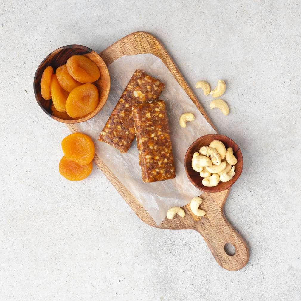 Zobrazit Nepečené meruňkové tyčinky s kešu ořechy receptů