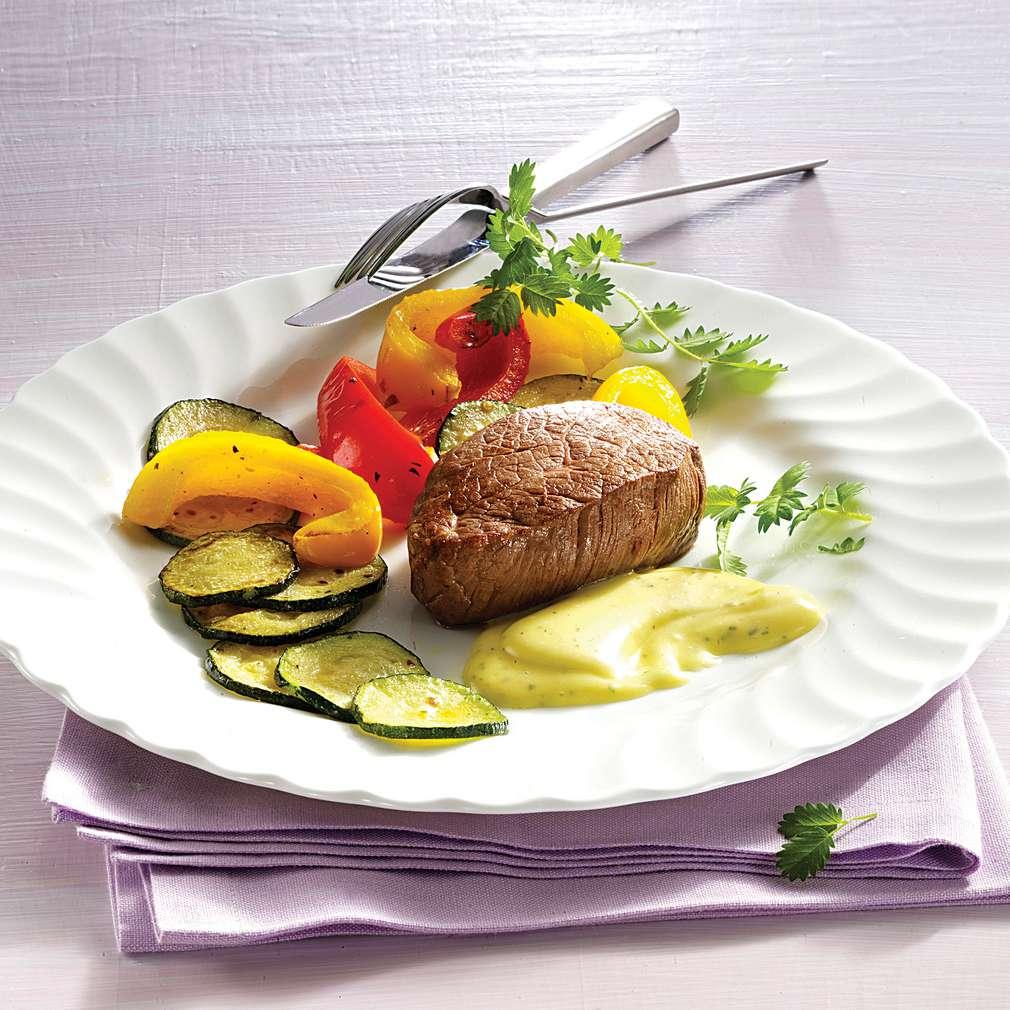 Biftec cu maioneză și frunze de anason