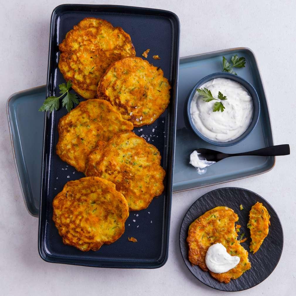 Abbildung des Rezepts Gemüse-Pfannkuchen mit Dip