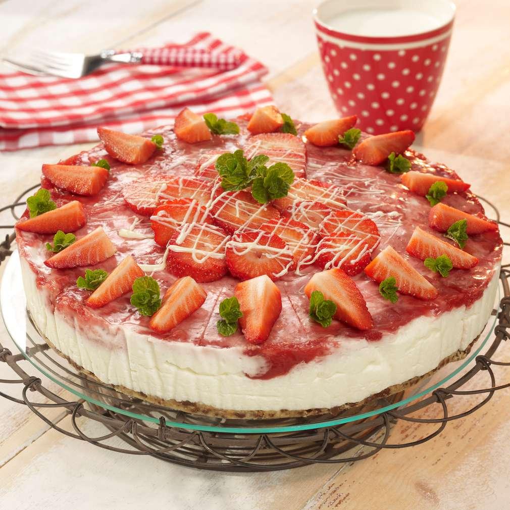 Zobrazit Rebarborový dort s jahodami receptů