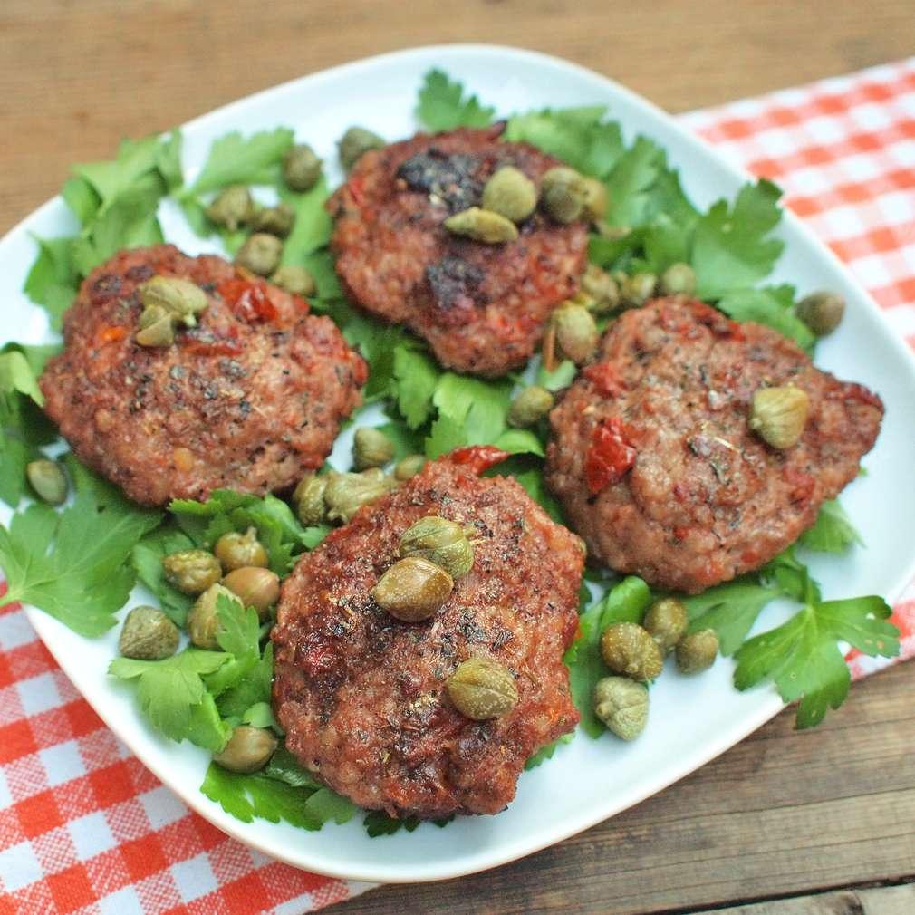Zobrazit Karbanátky se sušenými rajčaty receptů