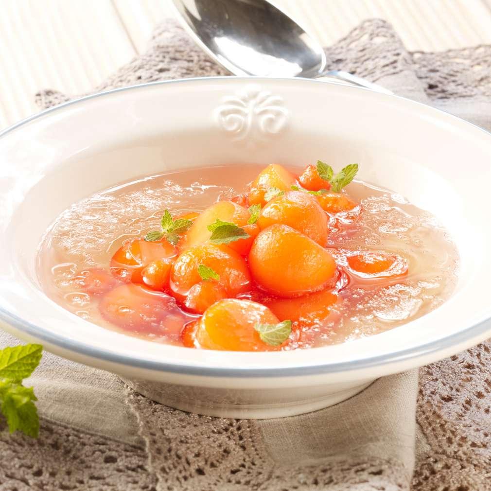 Zobrazit Studená melounová polévka s grenadinou receptů