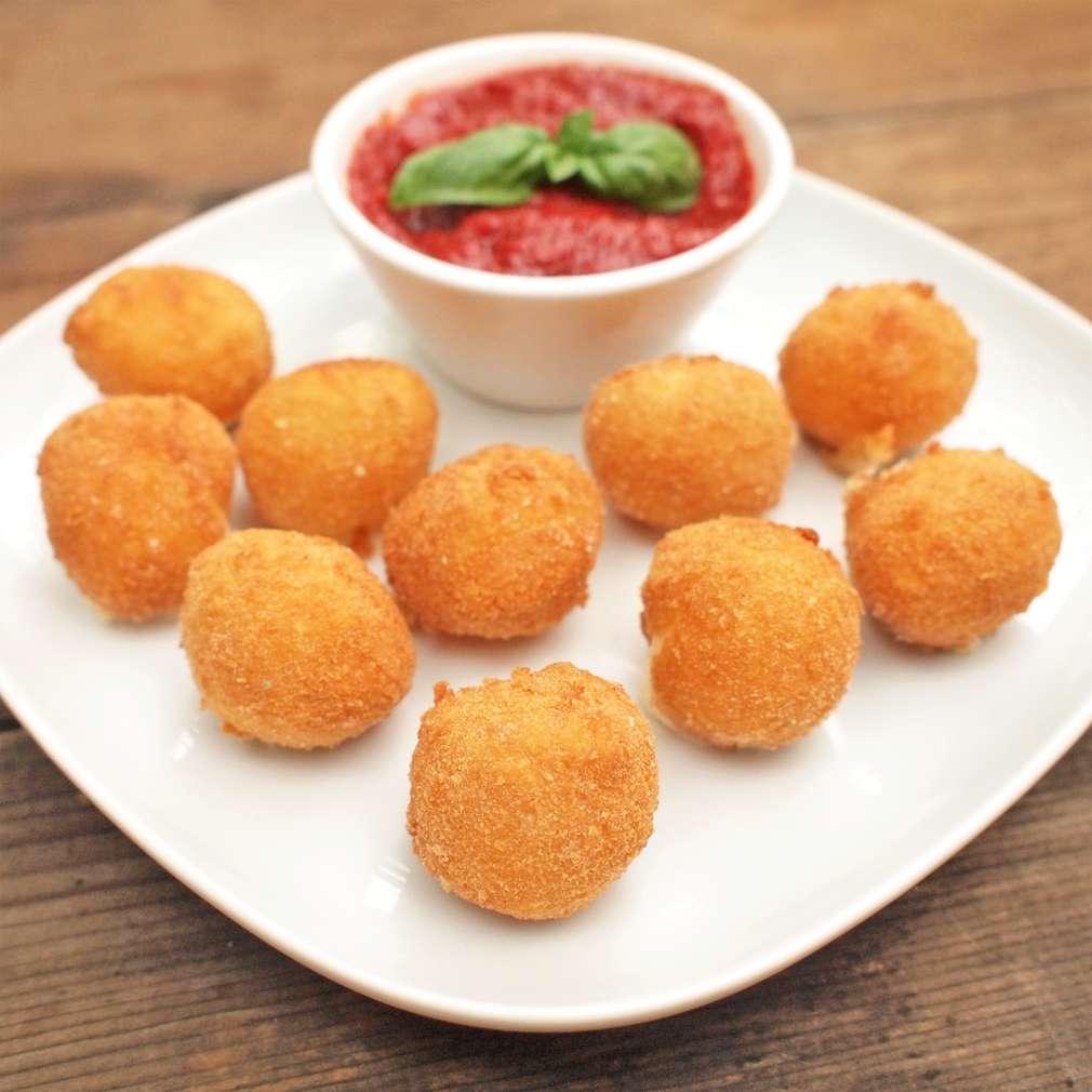 Zobrazit Obalované sýrové kuličky receptů