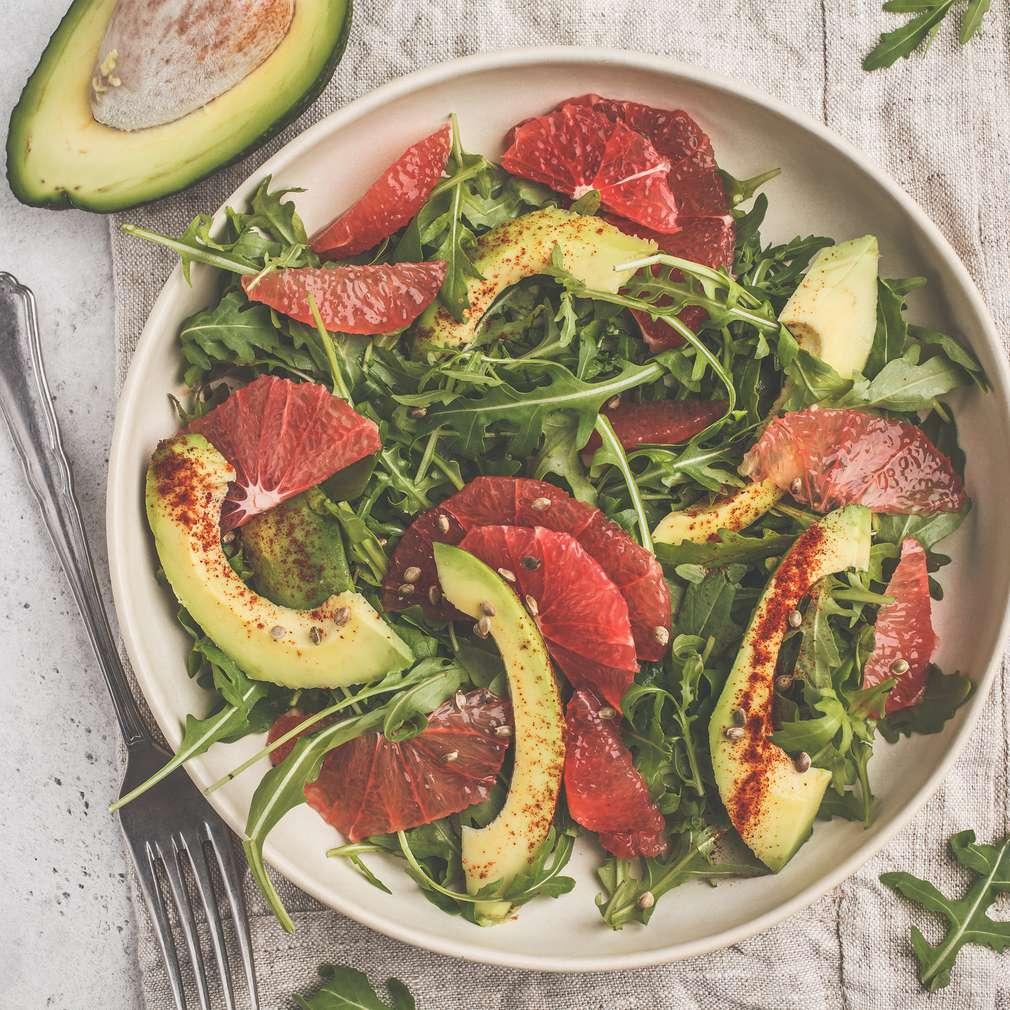 Salată de grepfrut și avocado