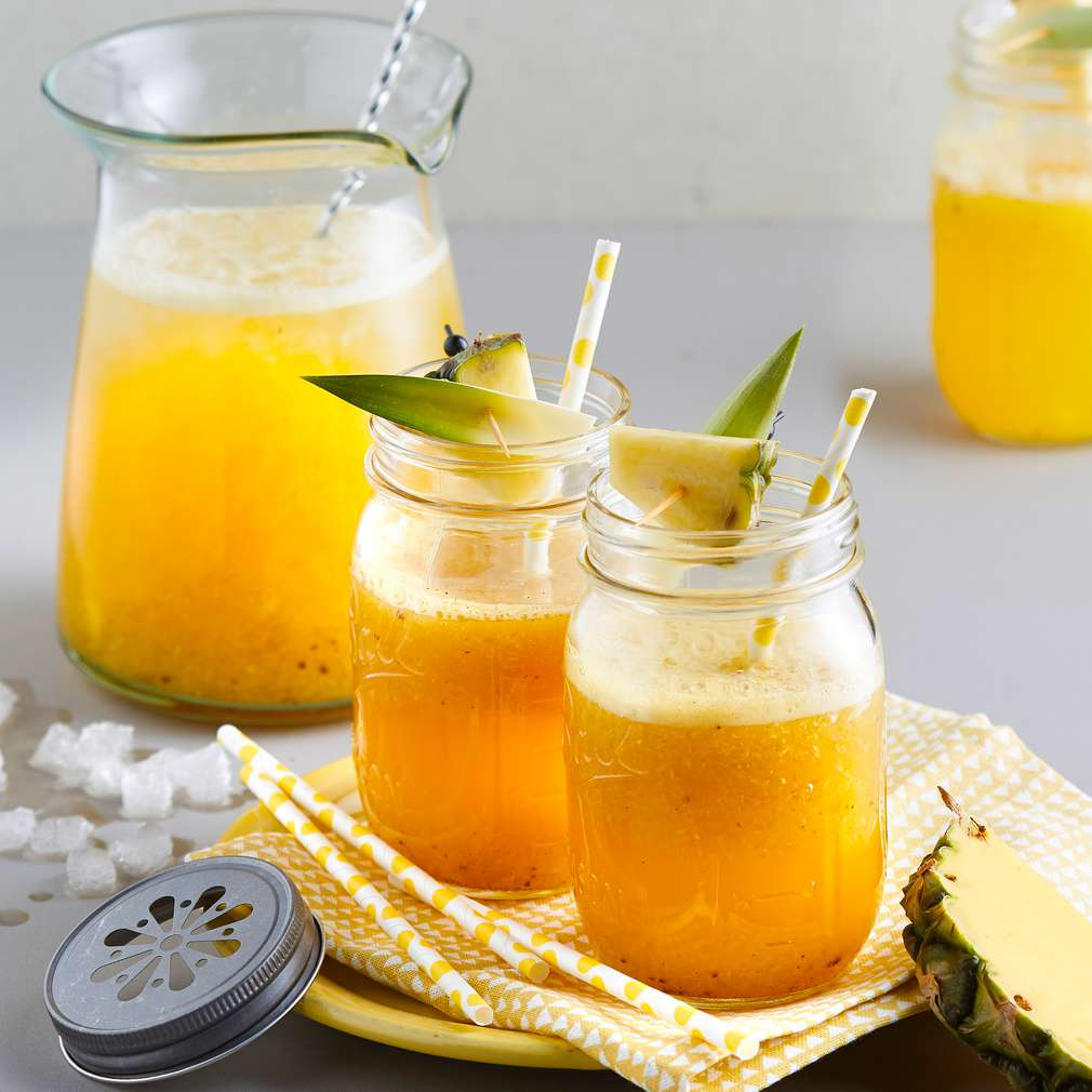 Imaginea rețetei Ceai cu gheață, ananas și vanilie