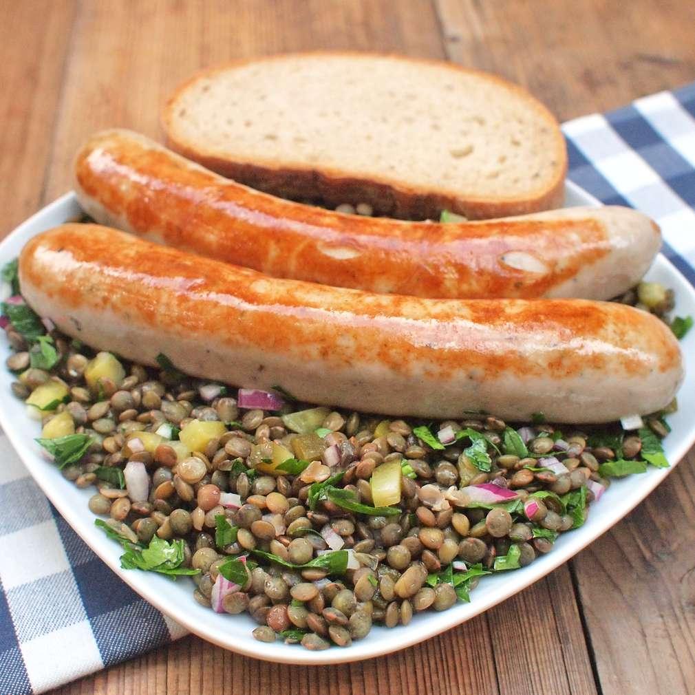 Zobrazit Klobásky s čočkovým salátem receptů
