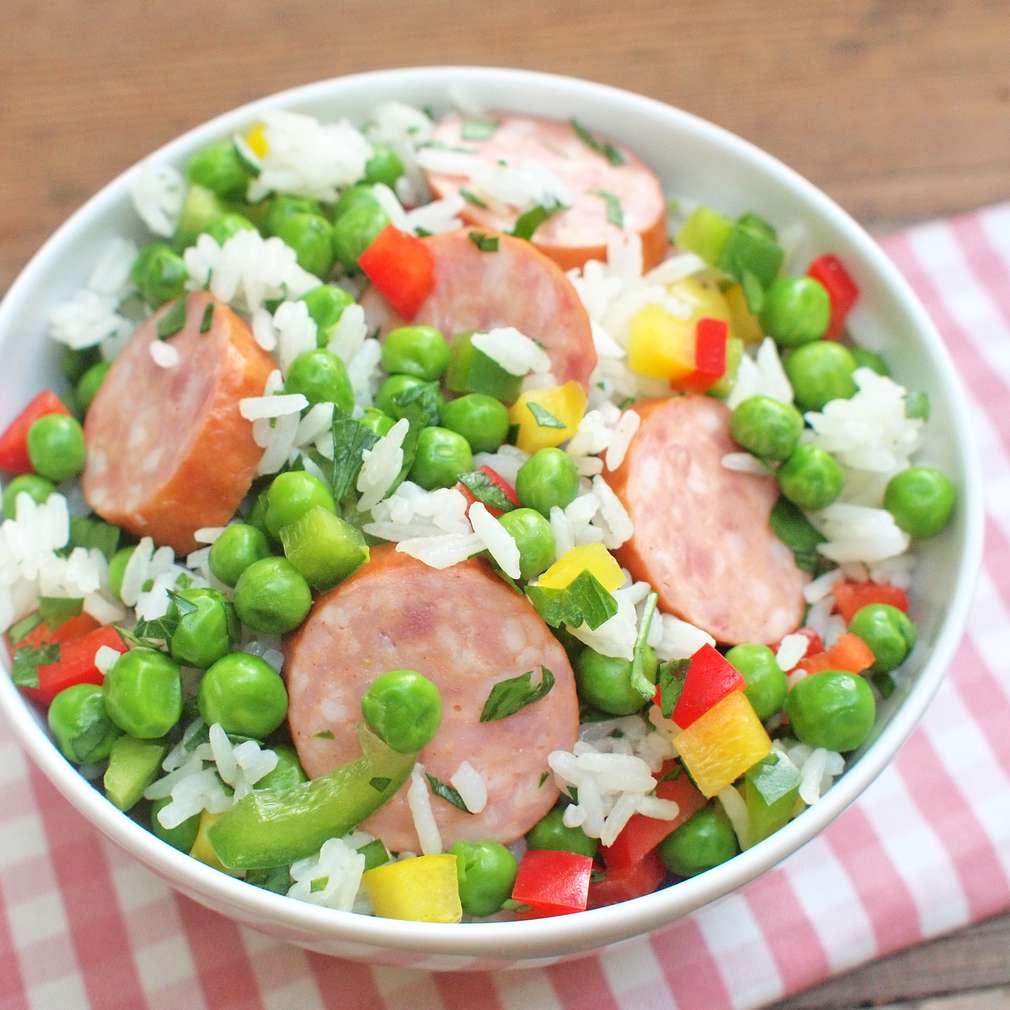 Zobrazit Rýžový salát s klobáskou receptů