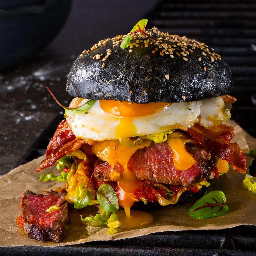 Imaginea rețetei Black beef burger