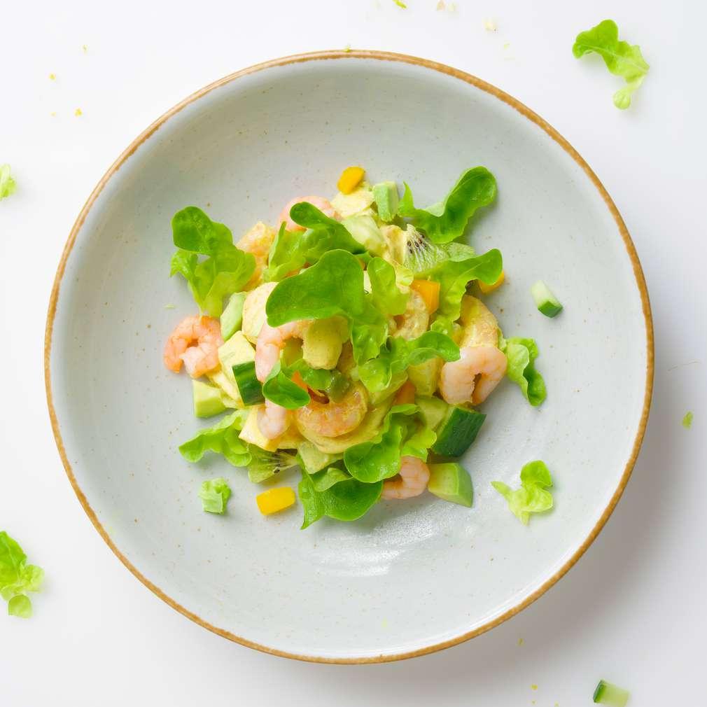 Salată de creveți și kiwi