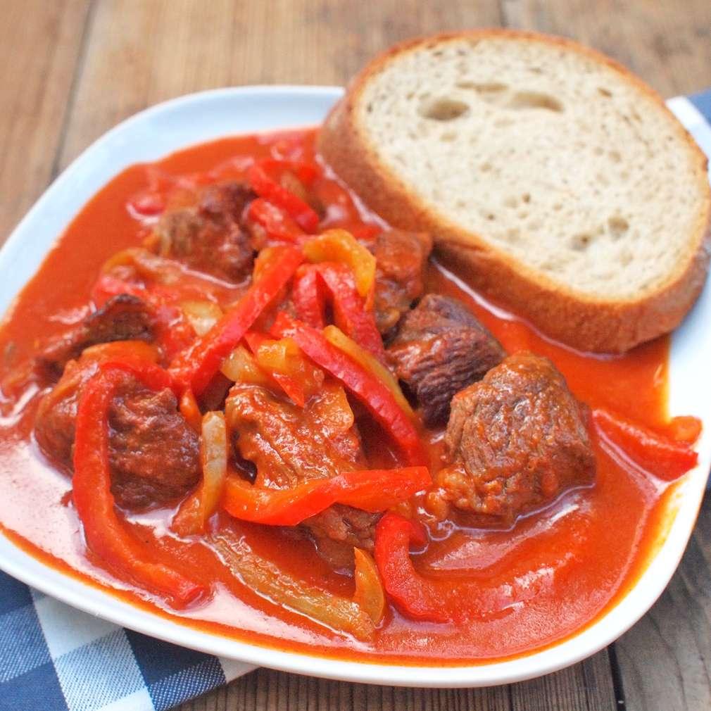 Zobrazit Maďarský guláš receptů