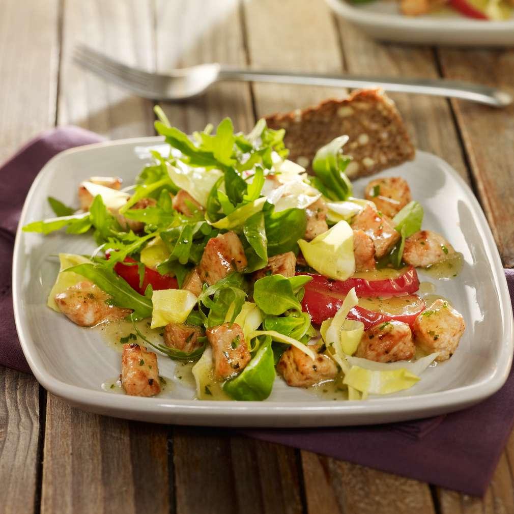 Zobrazit Čekankový salát s krůtím masem a jablky receptů
