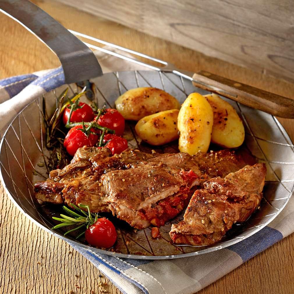 Zobrazit Vepřové kotlety s nádivkou z rajčat a oliv receptů