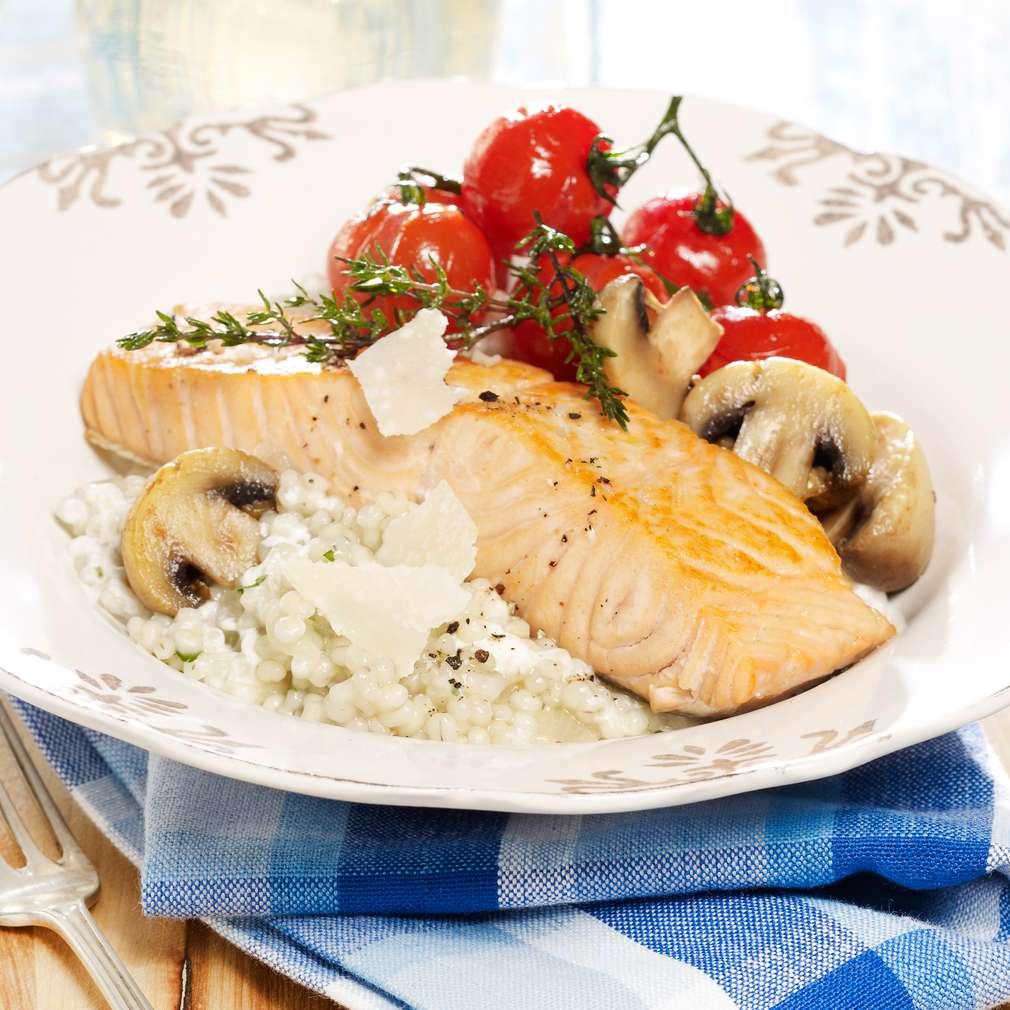 Zobrazit Filé z lososa s kroupovým rizotem receptů