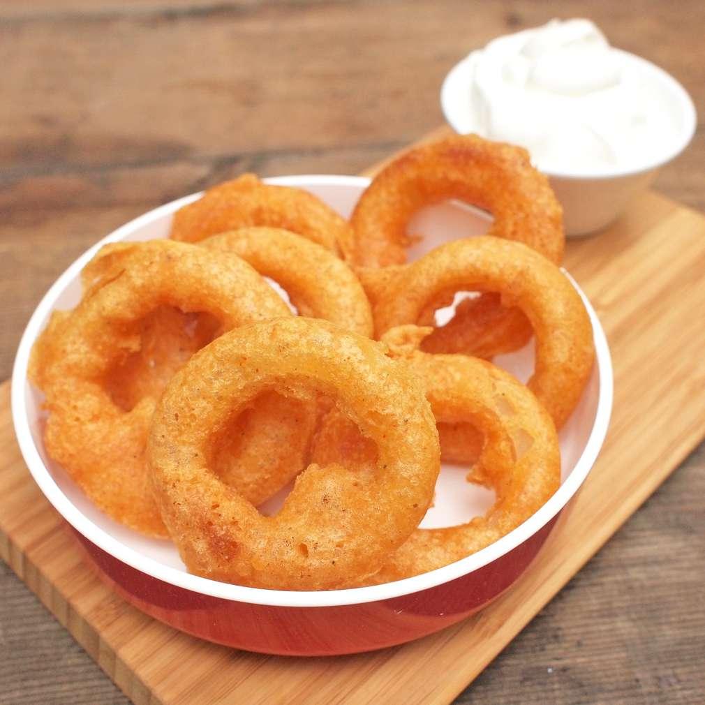 Zobrazit Cibulové kroužky v pivním těstíčku receptů