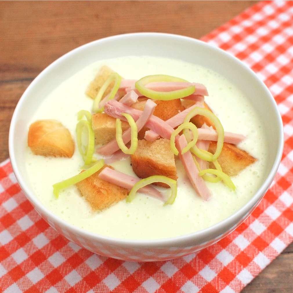 Zobrazit Krémová pórková polévka s uzeným receptů