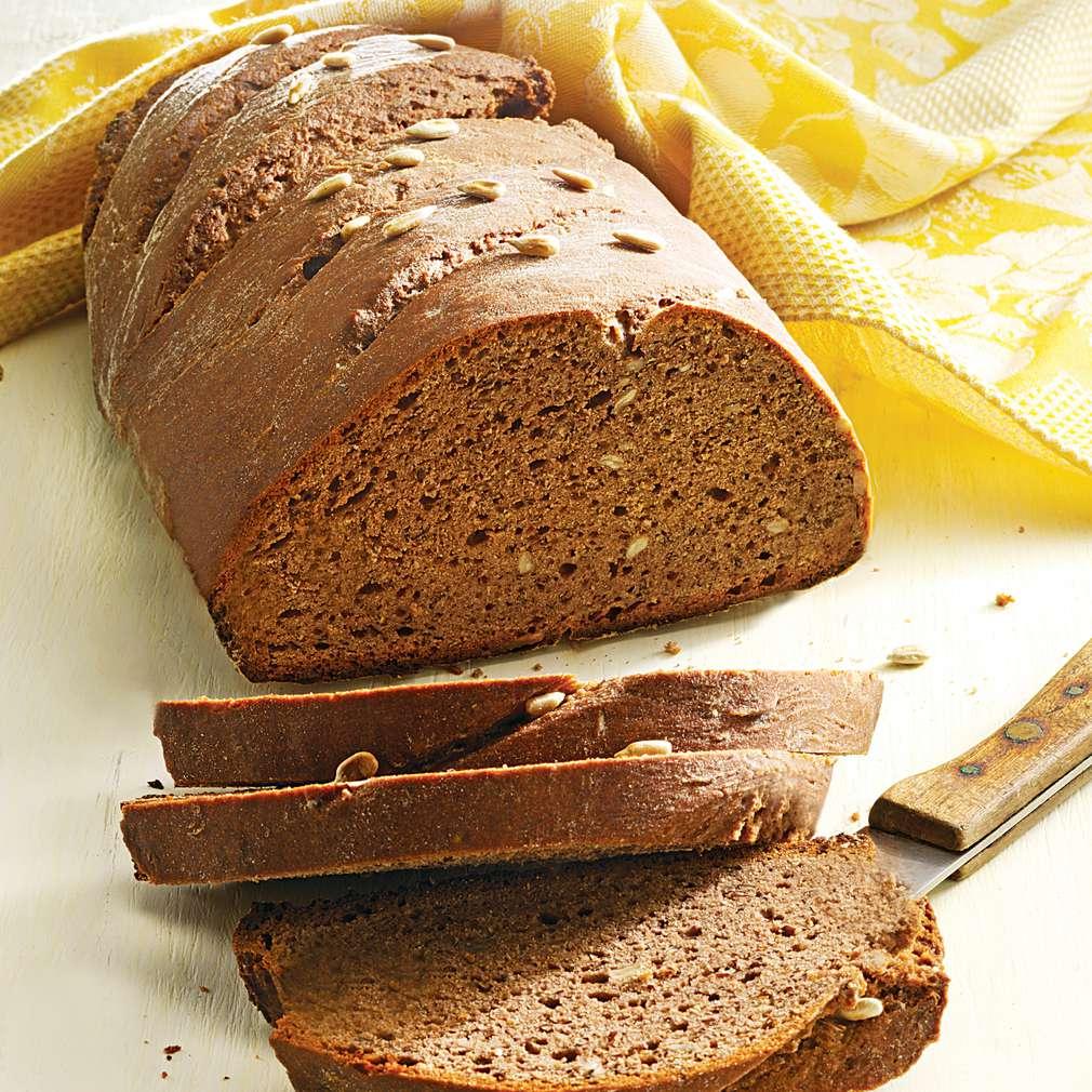 Pâine în amestec cu iaurt și semințe de floarea-soarelui