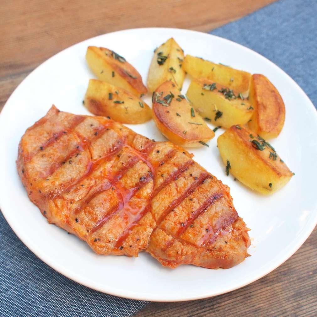Zobrazit Grilovaná krkovice s rozmarýnovými bramborami receptů