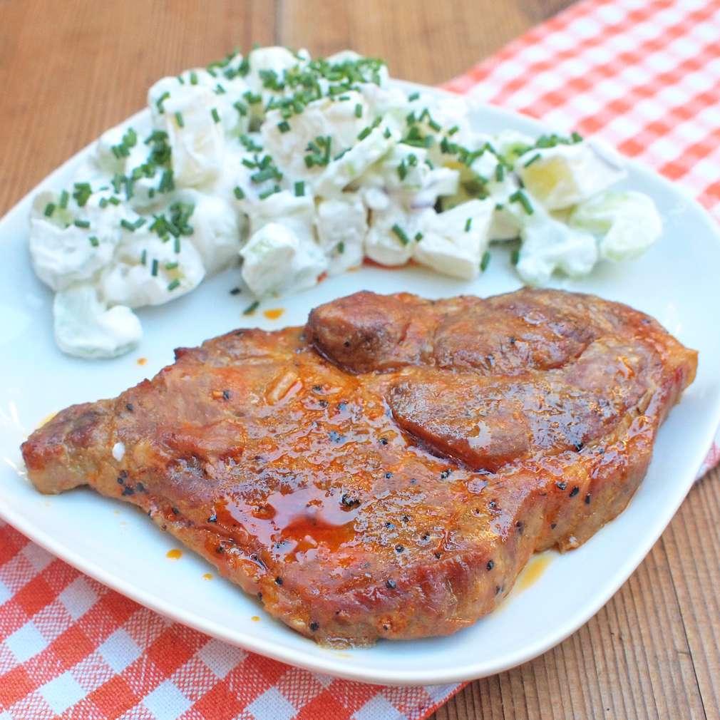 Zobrazit Marinovaná krkovice s bramborovým salátem receptů