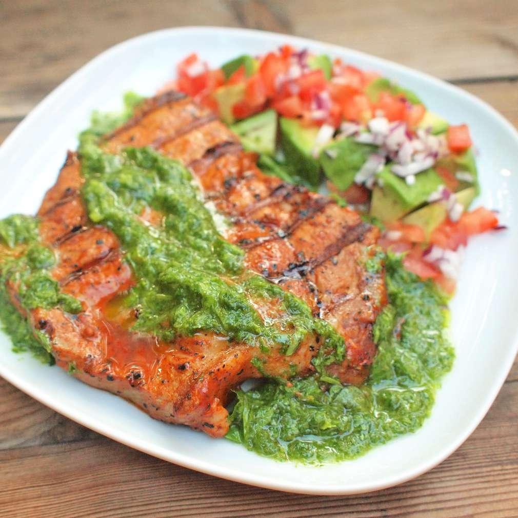 Zobrazit Marinovaný vepřový steak s koriandrovou salsou receptů