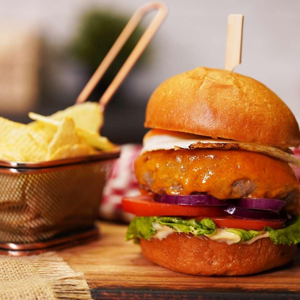 Изобразяване на рецептата Хамбургер с телешко кюфте