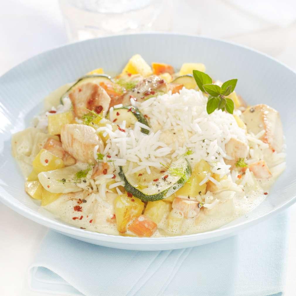 Zobrazit Kuřecí kari s bramborami a zeleninou receptů