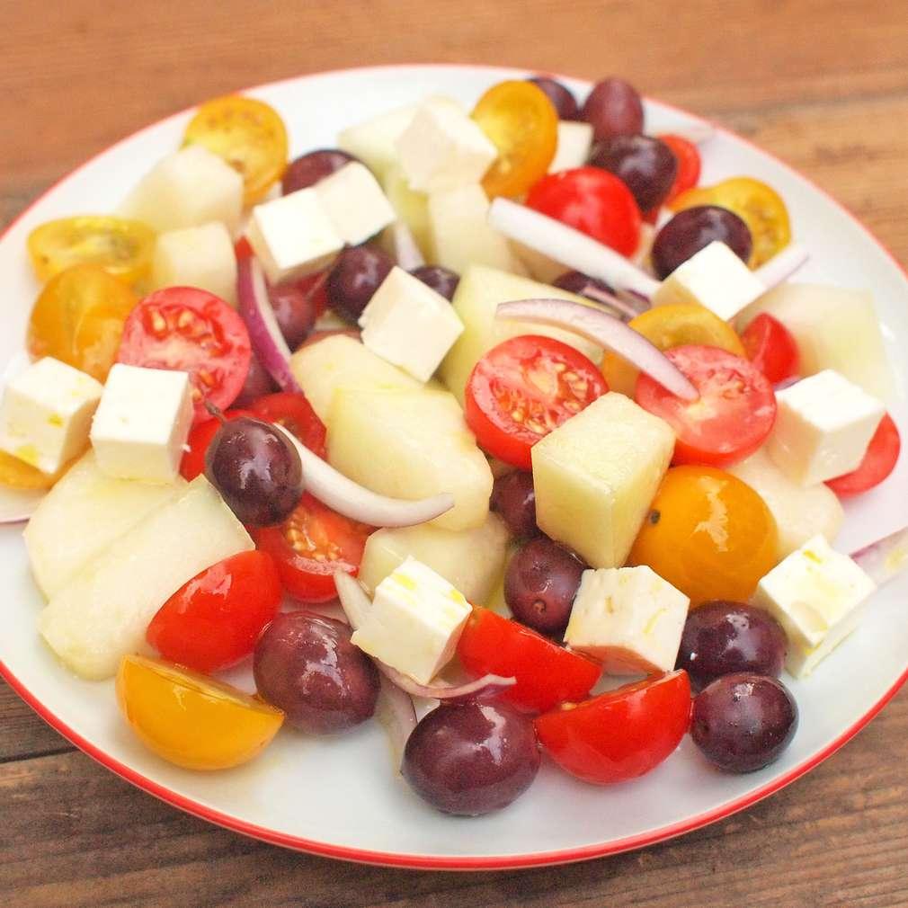 Zobrazit Řecký salát s melounem receptů